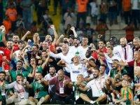 'Kayyum atanacaktı' direkten döndü... Aytemiz Alanyaspor şimdi Süper lig de lider...