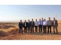 Vali Baruş kuru kayısı lisanslı depoculuk inşaatında incelemelerde bulundu