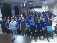 Antalya polisi liseli gençlere seminer  verdi