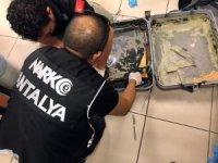 Antalya Havalimanında uyuşturucu operasyonu: 2 tutuklama