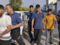 Adana'da trafik magandaları terör estirdi... Albayı bıçaklayıp telefonunu aldılar