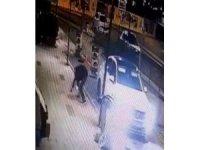 İstanbul'da çaldıkları otomobille iş yerlerini soyan hırsızlar yakalandı