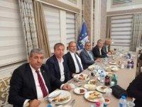 Belediye Kütahyaspor ve TKİ Tavşanlı Linyitspor camiaları yemekte buluştu