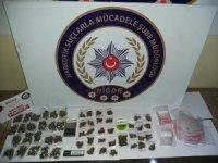 Otomobilde Uyuşturucu ticaretine polisten baskın