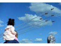 Türk Yıldızları ve SU-30 TEKNOFEST'te nefes kesti
