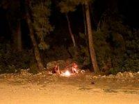 Ormanlık alanda yakılan ateş vatandaşları harekete geçirdi