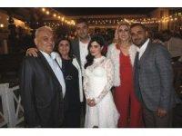 Melike İpek Yalova, yapımcı Altuğ Gültan ile evlendi