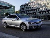 Volkswagen'in yenilenen amiral gemisi Passat showroomlarda yerini aldı
