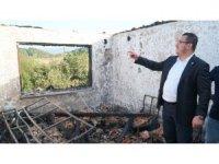 Mustafakemalpaşa'da çıkan yangında ev küle döndü