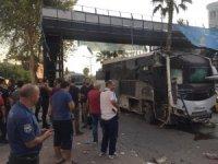 Adana'da polis otobüsüne bombalı saldırı! Hain saldırı saniye saniye kaydedildi
