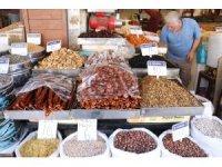 Şanlıurfa'da kışlık kuru yemişler görücüye çıktı