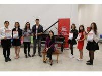 Artvinli genç piyanistler İtalya'nın ardından Fransa'ya da davet edildi