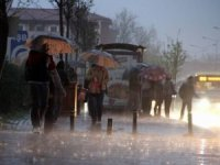İstanbul'da yağmur çilesi... Trafik felç oldu