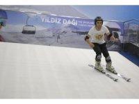 """Vali Ayhan: """"Geleceğin kayakçıları yetişiyor"""""""