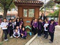 Öğrenciler mama istasyonu kurdular