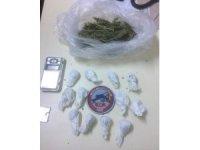 Edremit'te uyuşturucu kuryesi yakalandı