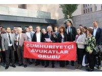 Avukatlardan İzmir Barosuna tepki