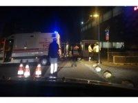 AVM otoparkında otomobilin çarptığı genç yaralandı