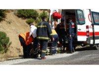 Domaniç'te traktör devrildi: 1 yaralı
