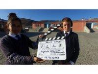 Köy çocuklarının kamera ile tanışma anı