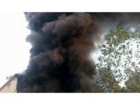 Kartal'da mobilya atölyesinde korkutan yangın
