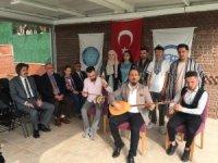 Türk Cumhuriyetlerinden Mehmetçik'e Barış Pınarı Destanı Türküsü