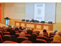 """""""İmam Matüridi'de Kadın Algısı"""" başlıklı konferans SAÜ'de verildi"""