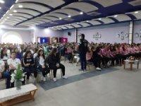 Mersin'de öğrenciler 'güvenli internet' konusunda bilgilendiriliyor