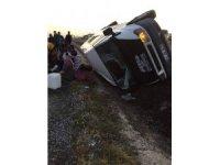 Patates işçilerini taşıyan araç kaza yaptı: 13 yaralı