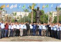Muhtarlardan 'asker selamlı' kutlama