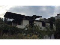 Kayınpeder, oğlu ve gelininin evini yaktı