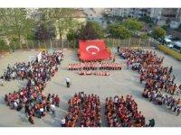 Minik öğrenciler Mehmetçiğe selam gönderdi