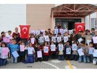 Köy çocuklarından Mehmetçik'e ebruli destek