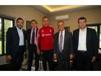 Ahmet Nur Çebi'den Avcı'ya ziyaret