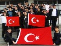 Ercişli öğrencilerden Mehmetçik'e şiir ve dualı destek