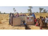 Öğretmen ve öğrencilerden Nijer'e su kuyusu