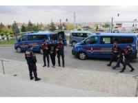 Karaman'da hırsızlık yaptıkları ileri sürülen 4 zanlı Konya'da yakalandı