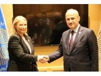Ulaştırma ve Altyapı Bakanı Turhan Gürcistan Ekonomi Bakanı Turvana ile görüştü
