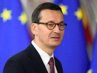 Polonya Başbakanı'ndan Macron'a tepki: Rus ayısının sıcak nefesini ensesinde hissetmediğinden böyle konuşuyor