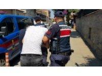 Jandarma'dan lüks rezidansa uyuşturucu baskını kamerada