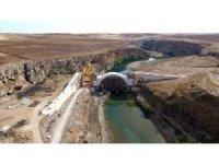 Dinamitle patlatılan tarihi köprü 200 yıl sonra birleşti