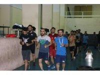 Polislik hayali kuran gençlerin zorlu maratonu