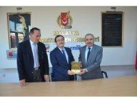 Rektör Kızılay'dan Gazeteciler Cemiyetine ziyaret