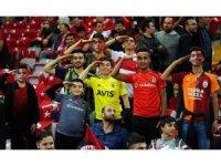 Avrupa Futbol Şampiyonası Elemeleri: Türkiye: 0 - İzlanda: 0 (Maç devam ediyor)