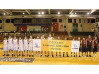 Gediz Elektrik Basketbol Takımı, lösemili çocuklar için maske takarak farkındalık oluşturdu