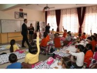 """Kaymakam Arcaklıoğlu: """"Kitap okumak çocukların hayal dünyalarını geliştirir"""""""