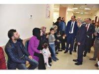 Rektör Çelik üniversite hastanesinde incelemelerde bulundu