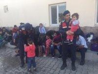İzmir'de kaçak göçmen operasyonu: 39 şahıs yakalandı
