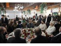 Başkan Büyükkılıç, Gastronomi Turizmi Çalıştayı'na katılan misafirleriyle Erguvan Tesisleri'nde bir araya geldi