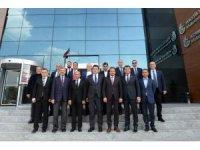 Kuzey Makedonya Devlet Bakanı Elvin Hasan Bursa iş dünyası ile buluştu